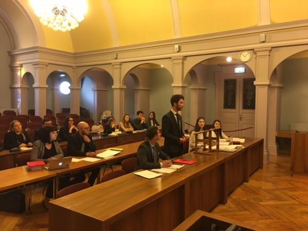 Exercices de plaidoiries au Tribunal cantonal valaisan devant des magistrats professionnels